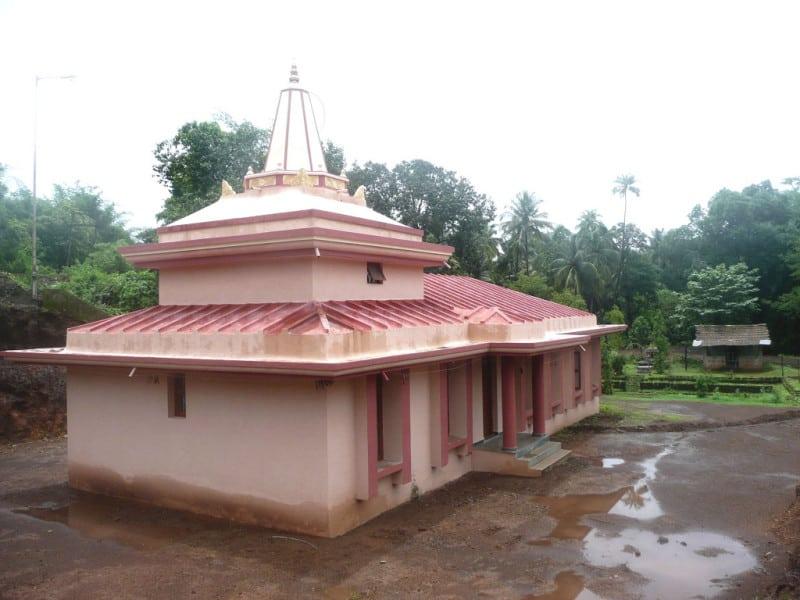 budbud-lake-temple