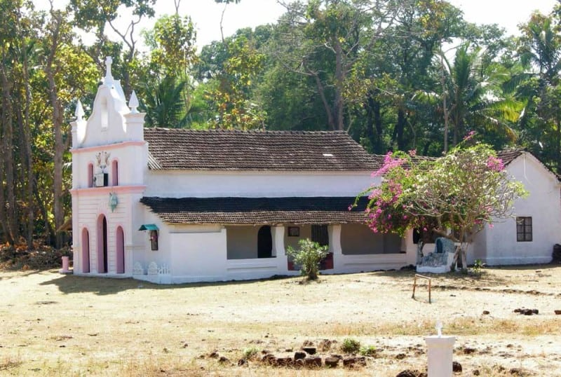 st.anthonys-church-cabo-de-rama-fort-south-goa