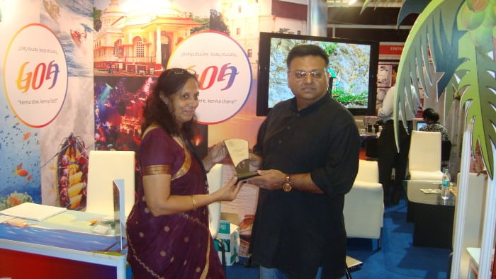 Mrs. Satira Dias, I.A. Dept. of Tourism receiving the award