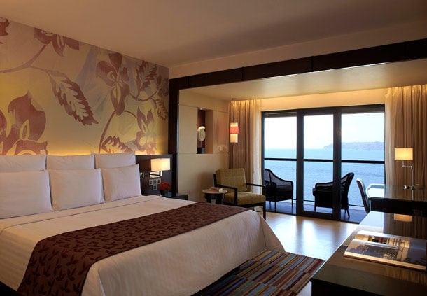 goa-marriott-resorts-room-sea-view