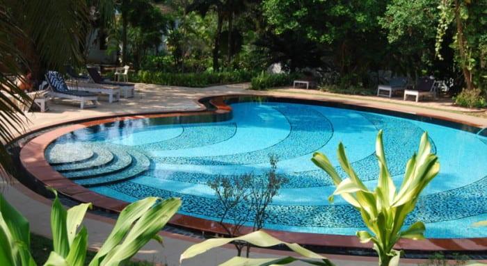 granpas-inn-bardez-goa-swimming-pool