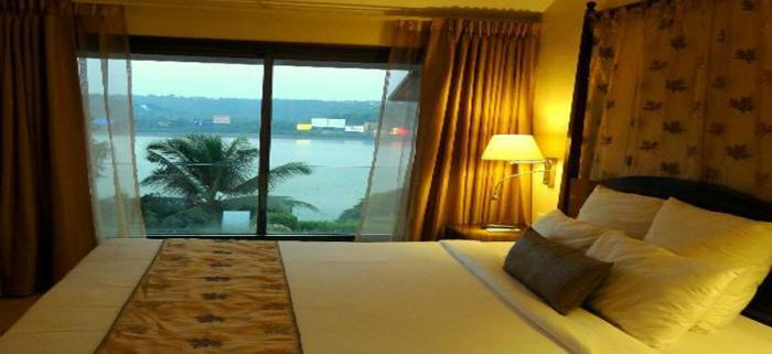 the-crown-goa-room-sea-view