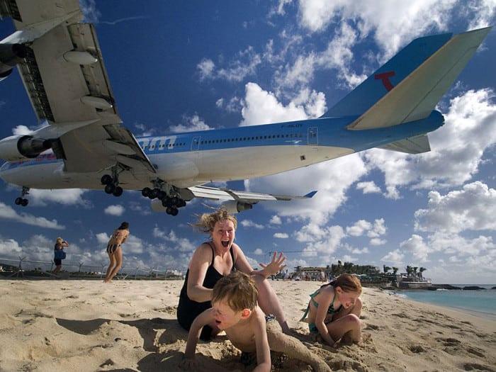 Maho-beach-plain-landing