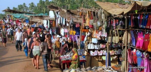 anjuna-flea-market-in-goa