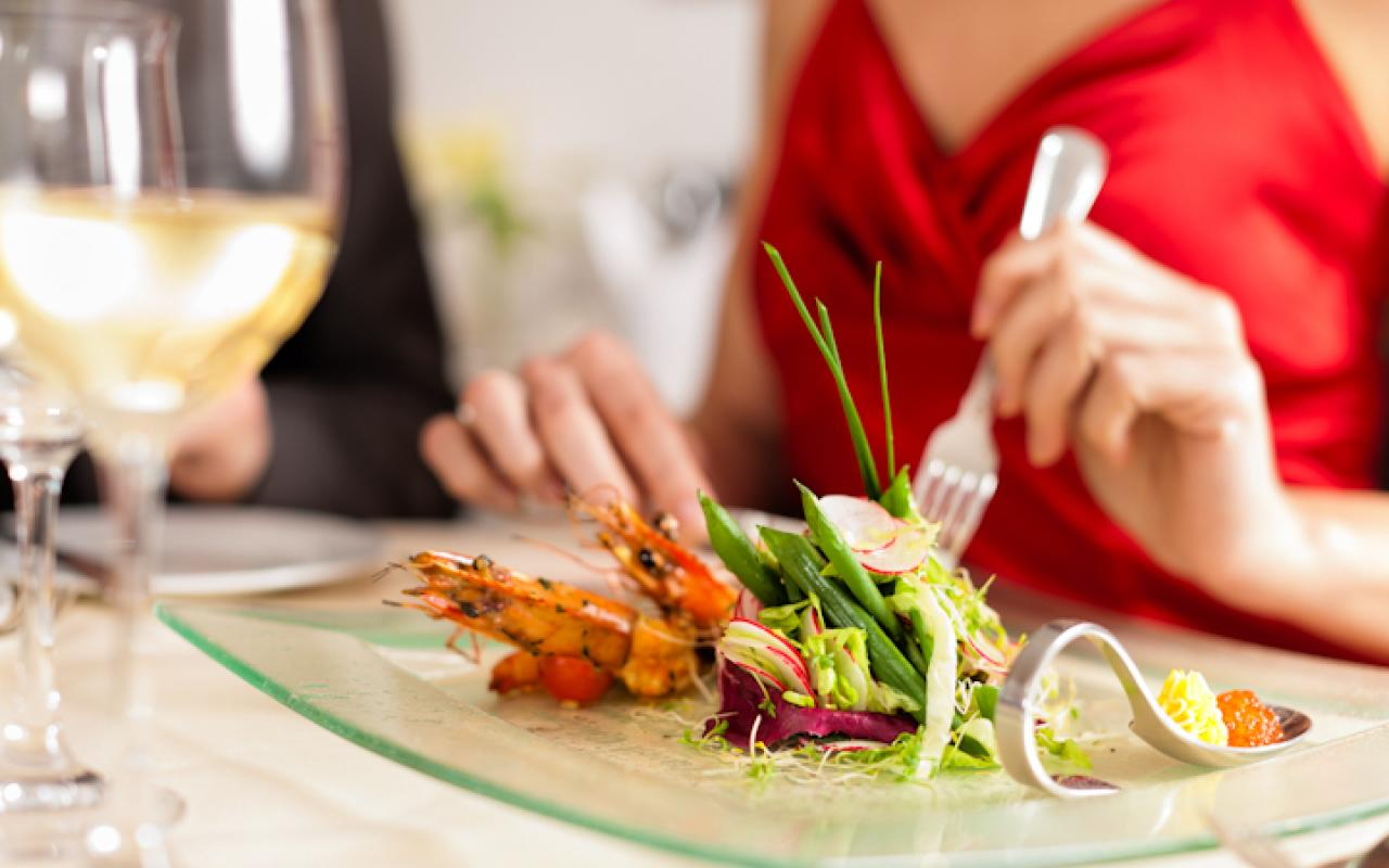 eating salads with less sauce is more healthy -article published on goa prism