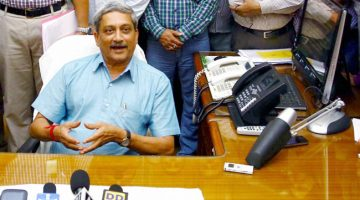 Is Parrikar returning back into Goa politics?