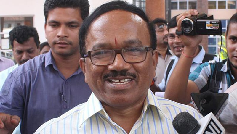 Goa Chief Minister confesses bribing government servant