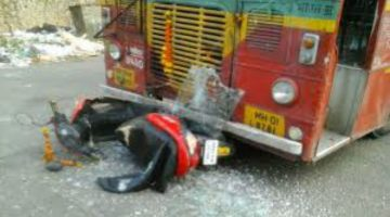 Speeding scooty gets under the wheels of BEST bus, rider crushed to death