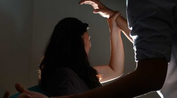 Gang rape in the moving train in Delhi, Woman was raped in ladies coach