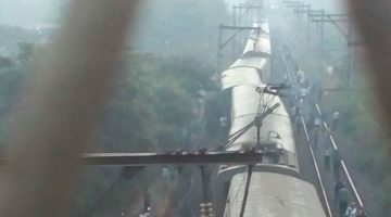 Another Train Gets Derailed – 5 Coaches of Kurla – Ambarnath Local derailed
