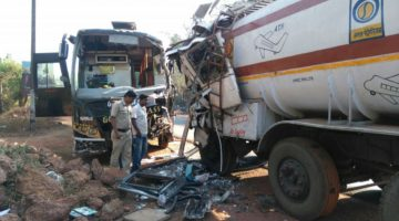 Poona – Goa Luxury Bus Rammed into Petrol Tanker, Bus Was proceeding in the Wrong Direction, 5 trapped in wreckage
