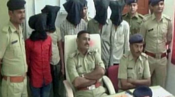 TWO TEENAGERS GANGRAPED IN FRONT OF THEIR FATHER IN A MOVING SUV