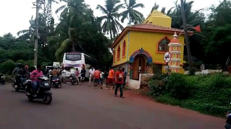 ANOTHER ATTACK BY LOCALS ON THE TOURISTS AT VEREM IN NORTH GOA